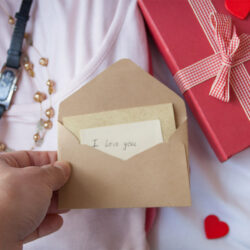 Top 4 Unplanned Birthday Gift For Your Dearest Wife